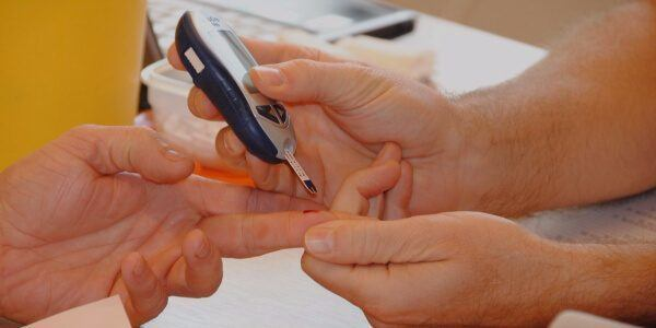 7 TIPS TO LET THE BLOOD TEST RUN SMOOTHLY