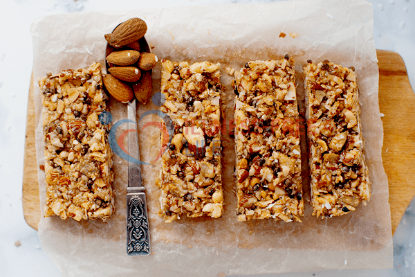 Low-carb granola bar