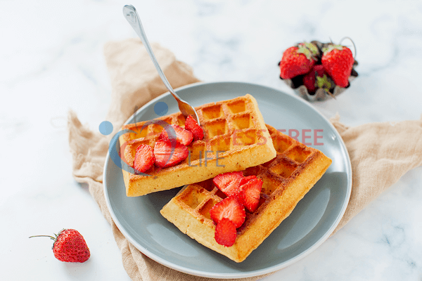Low-carb waffles with almondflour